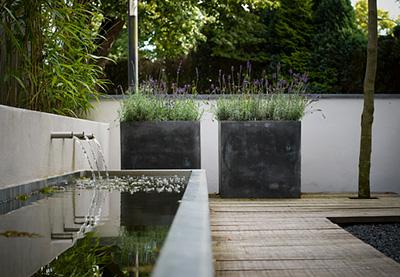 Kleine Tuin Met Water.Kleine Tuinen