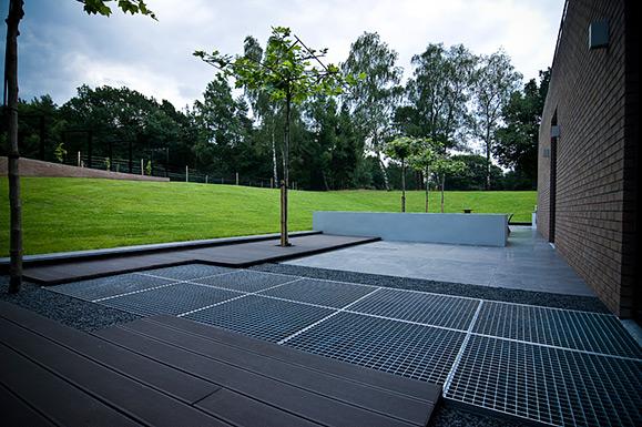 Architectonische tuin in het landschap in nieuw milligen